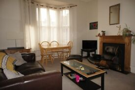 large 2 bedroom flat in Wimbledon SW19