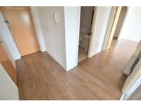 2 bedroom & 2 bathrooms apartment * SOUGHT AFTER SOLENT COURT!!!! USE OF PRIVATE DEVELOPMENTS GYM!