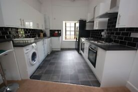 STUDENTS: Superb 6 bedroom HMO flat on Candlemaker Row available September