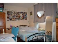 NEXT TO TOWER BRIDGE ROAD SE1 - 4 BED 2 BATH FLAT ( NO LOUNGE) WITH PARKING READY MID JULY £660PW