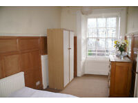 Double room available in friendly houseshare