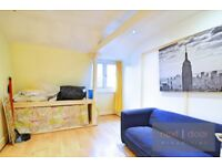 Well located 1 bedroom conversion apartment located momnents from Oval tube SW9