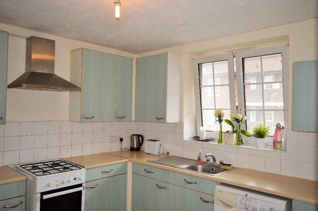 AVAILABLE NOW - FOUR BEDROOM FLAT FOR RENT IN BOW EAST LONDON E3 3RH