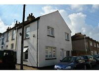 2 Bed / 2 Reception End-terrace house close to Gravesend Town Centre