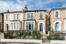 2 bedroom flat in Evering Road, London, E5 (2 bed) (#1043951)