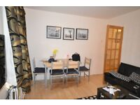 2 double bedroom with garden- walking distance from Stratford and Westfield shopping center.
