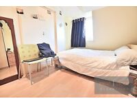 Well located 2 bedroom conversion apartment located seconds from Oval tube SW9