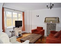 3 BED HOUSE IN OVAL WITH GARDEN AVAILABLE START OF DECEMBER £470PW