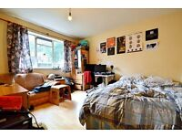 NO AGENCY FEES - 4 BEDROOM FLAT TO RENT IN OVAL SW9 - PRIVATE BALCONY, CLOSE TO OVAL TUBE STATION