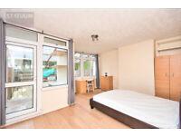 Stunning 4 bed Maisonette Flat with a Private Garden (no lounge) - Poplar High Street, E14