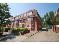 3 bedroom flat in Audley Park, Neeld Crescent, Hendon, NW4