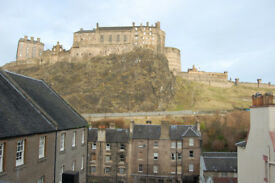 Grassmarket, Websters Land. Spacious studio apartment with castle views
