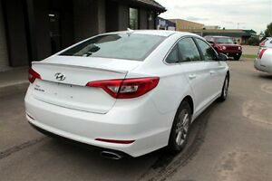 2016 Hyundai Sonata Limited - RVRSE CAMERA  BLUETOOTH WARRANTY Regina Regina Area image 7