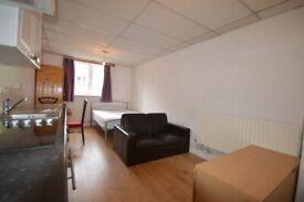 Harris Brown is proud to rent a spacious studio - Kings Cross N1