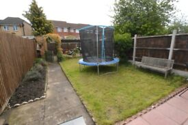 WELL PRESENTED 3/4 BED HOUSE WITH A GARDEN *** AVAILABLE EARLY JULY ***