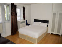LARGE DOUBLE ROOM COUPLES ACCEPTED - ALL BILLS INCLUDED BOW E3