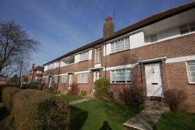 2 BED FLAT TO LET IN FINCHLEY, London N2 (NORTHERN LINE ZONE 3 SHORT WALK