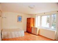 4 Bedroom Flat To Rent In Poplar E14 With Back Garden No Living Room Ideal For City Workers