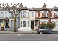 2 bedroom flat in Elspeth Road, London, SW11 (2 bed) (#1209087)