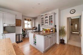 Beautiful 3 bedroom first floor period maisonette near Earlsfield station - TO LET