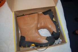 Amblers Safety Boots, never worn - still in box with tags - Size 7UK /Euro 41