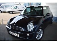 2005 Mini one HATCHBACK IN GOOD CONDITION Low mileage MOT UNTIL JUNE 2018