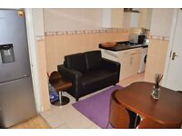 STUDENTS WANTED!! FOR TWO BEDROOM FLAT NEAR QUEENS MARY UNIVERSITY