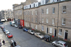 Central/ Barony Street. No Deposit. Spacious 2 bedroomed quality flat in great local