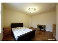 **ATTENTION TO PROFESSIONALS & MATURE STUDENTS** GORGEOUSLY SPACIOUS DOUBLE ROOMS OFR RENT NEAR TOWN