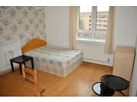 STUDENTS WELCOME - FLAT WITH THREE DOUBLE ROOMS FOR RENT IN WHITECHAPEL ZONE 2