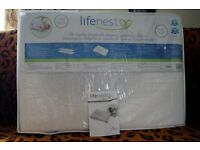 LIFENEST Baby BREATHABLE MATTRESS TO COT/BED + 2 sheets