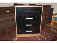 Chest of 4 Drawers Oslo Black Gloss Walnut