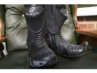 LEATHER MOTORCYCLE BOOTS USED THREE TIMES OWNER RETIRING