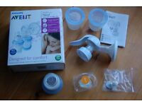 Philips Avent Manual Breast Pump and 2 thermal travel bags.