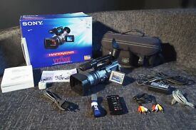 Sony DCR VX2100E video camera - with original box & accessories