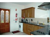Large double room - Ulsterville Avenue