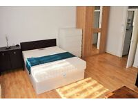 *BILLS INCLUDED* STUNNING AND SPACIOUS STUDIO FOR RENT WITHIN EASY REACH OF CANARY WHARF, E14
