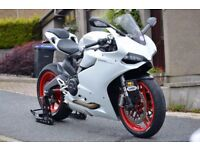 2015 White Ducati 899 Panigale with lots of extras