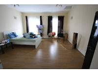 MODERN & VERY BIG STUDIO IN CROYDON *** ALL BILLS ARE INCLUDED EXCEPT C TAX.***
