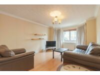 Bright and desirable, 2 bed flat with en suite access and private parking in Dalry – available NOW