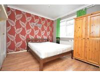 SPACIOUS DOUBLE ROOM AVAILABLE NOW! BOOK TO AVOID DISSAPOINTMENT