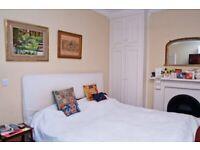Spectacular Double Room / Delightful Single Room - overlooking garden in Clapham