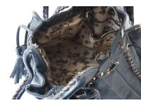 Lovely, large women's holdall handbag with cloth floral lining.