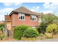 2 bedroom flat in Villiers Close, Surbiton, KT5
