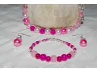 Handmade pink beaded necklace, bracelet and ear rings brand new in gift bag