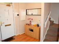 ALL BILLS INCLUDED - THREE DOUBLE BEDROOMS - SHORT LETS AVAILABLE ZONE 2
