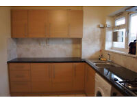 Large immaculate three bed apartment next to Bethnal Green station with balcony!!!