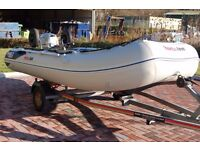 HONWAVE T35 AE INFLATABLE BOAT WITH HONDA 20HP 4 STROKE OUTBOARD MOTOR & TRAILER