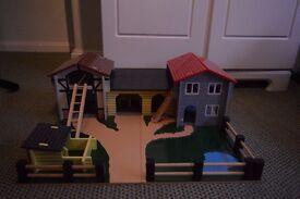 Farm Play Set (Le Toy Van: Wooden Farmyard)