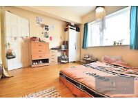 NO AGENCY FEES- SPACIOUS 3 BED APARTMENT TO RENT IN CAMBERWELL SE5 WITH LARGE COMMUNAL GARDEN